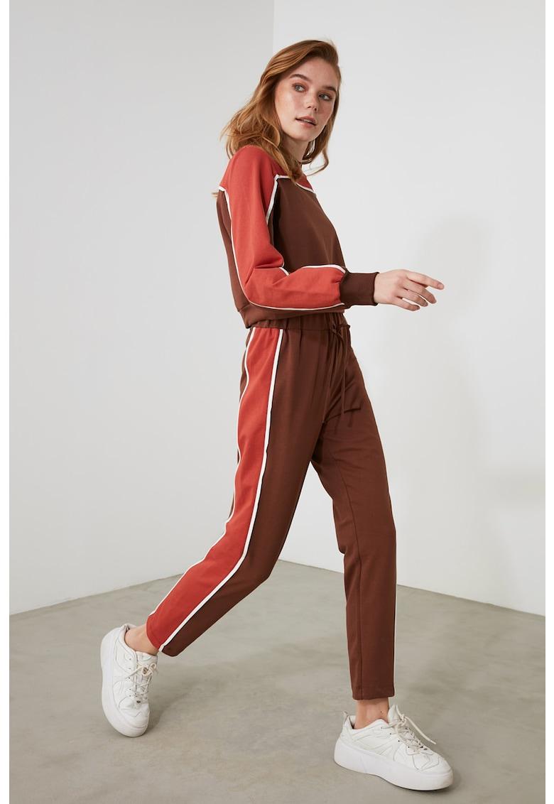 Set de pantaloni si bluza crop sport fashiondays.ro
