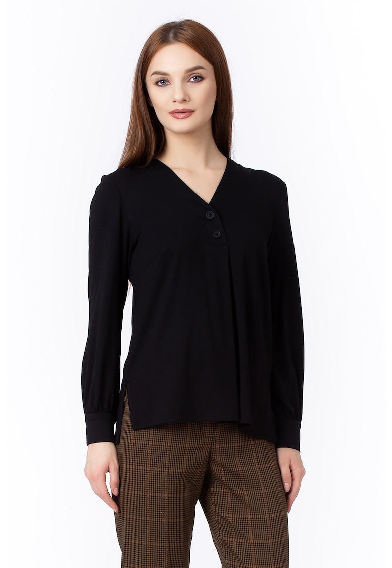 Bluza vaporoasa cu fenta cu nasture imagine fashiondays.ro