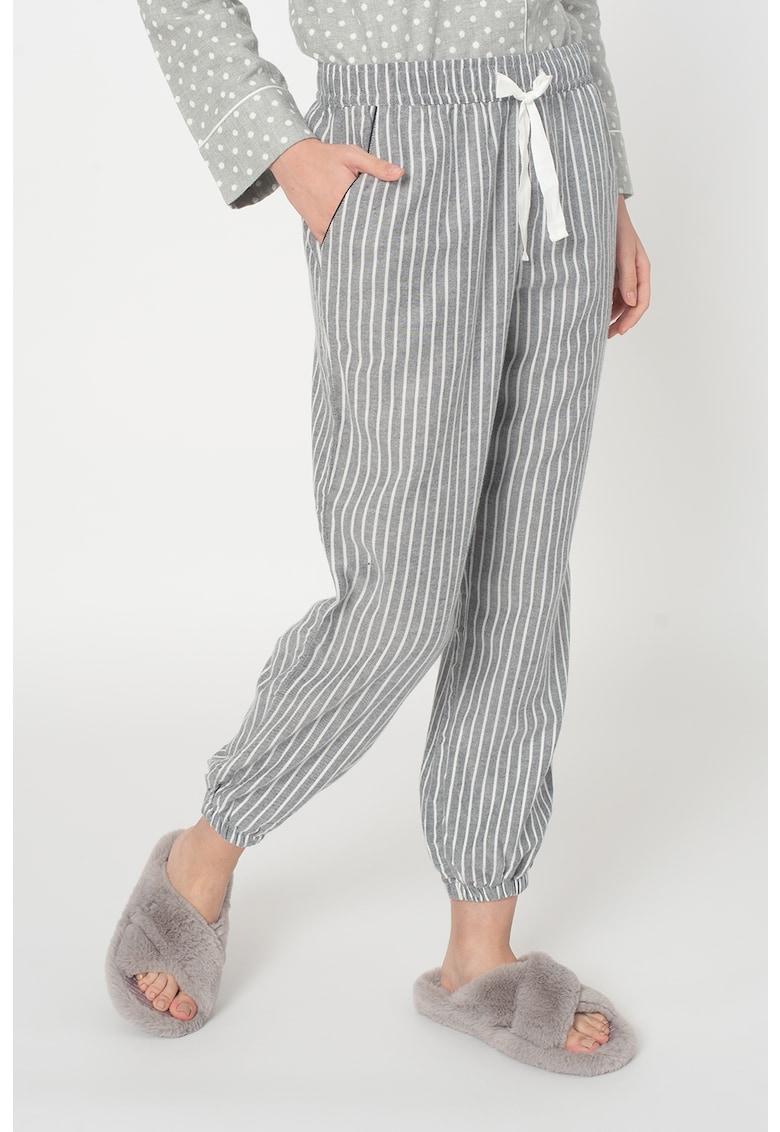 Pantaloni de pijama cu dungi si terminatie elastica imagine promotie