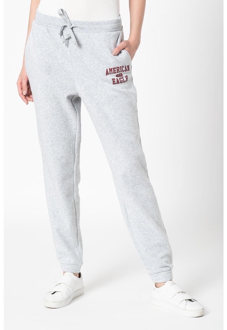 Pantaloni sport cu detaliu logo