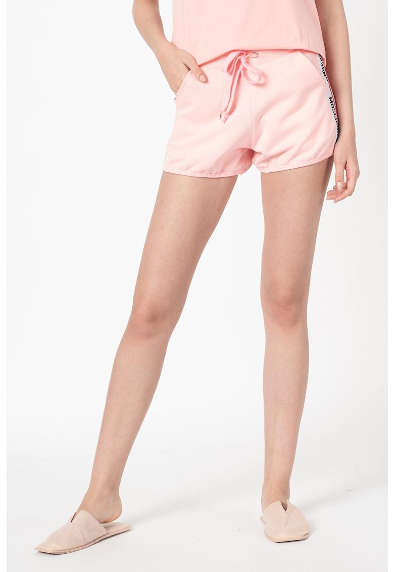 Pantaloni scurti de casa cu logo lateral