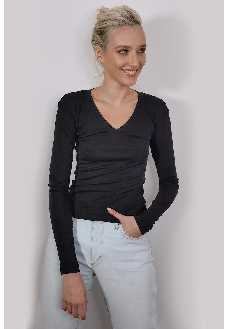 Bluza cu decolteu in V imagine fashiondays.ro LIN APPAREL