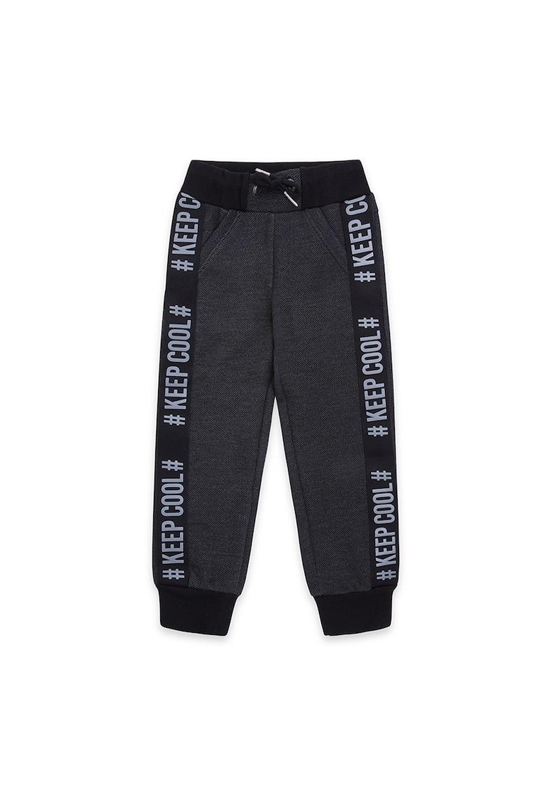 Pantaloni jogger cu benzi laterale cu text