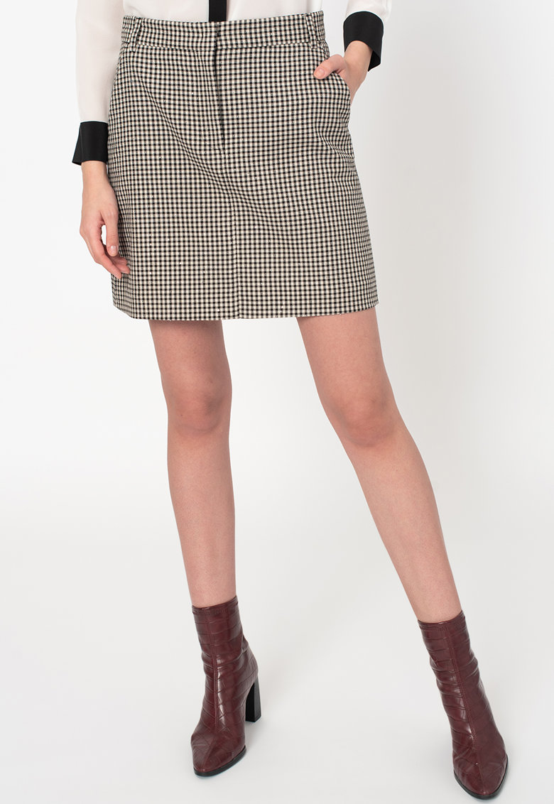 Fusta mini dreapta cu model gingham Ospitato imagine promotie