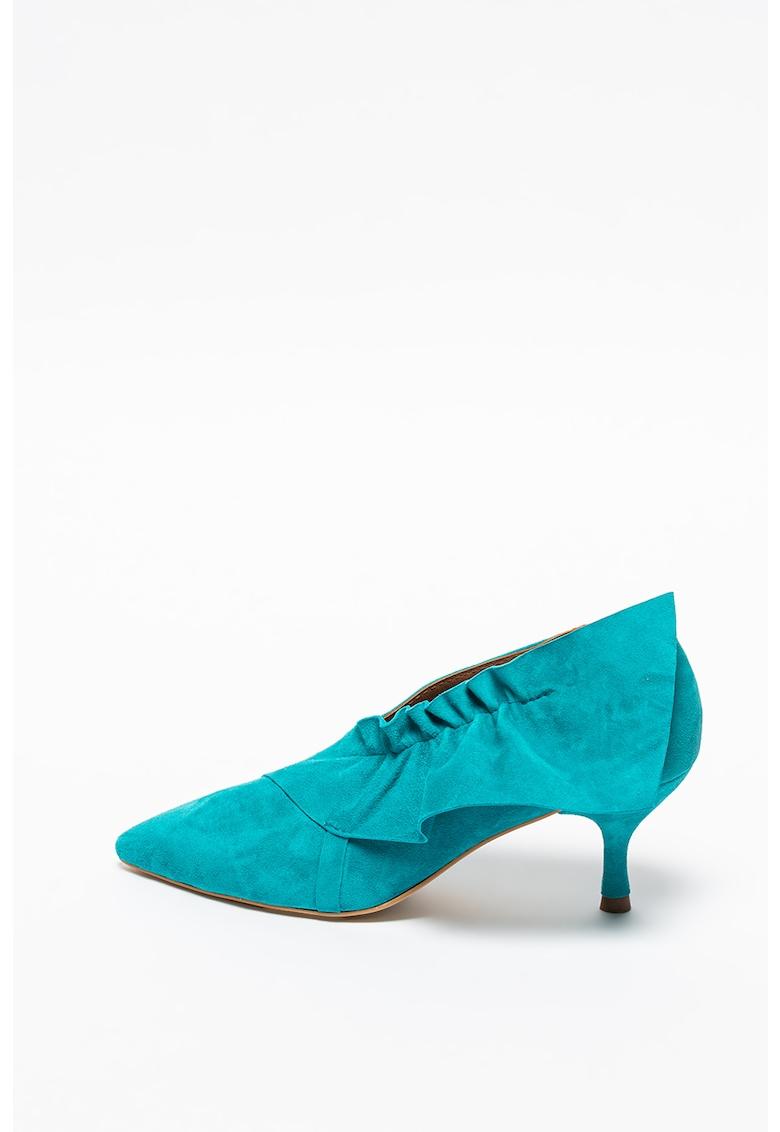 Pantofi de piele intoarsa cu volane