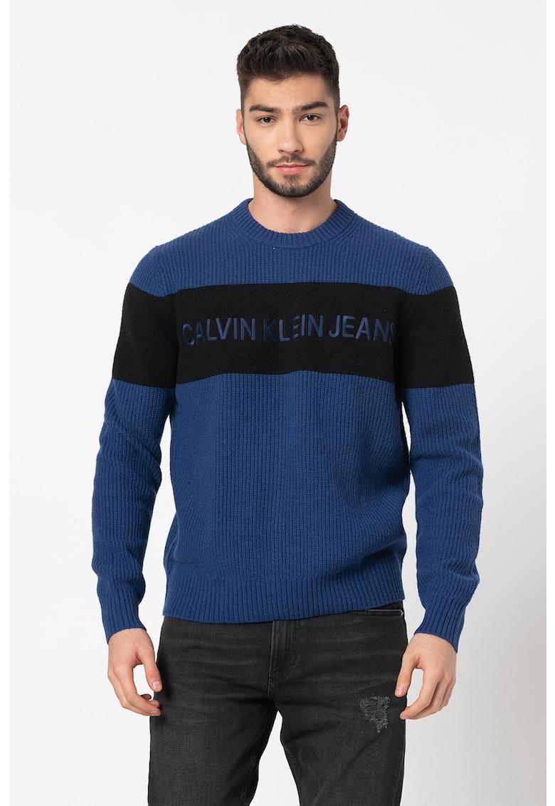 Pulover de lana cu logo brodat