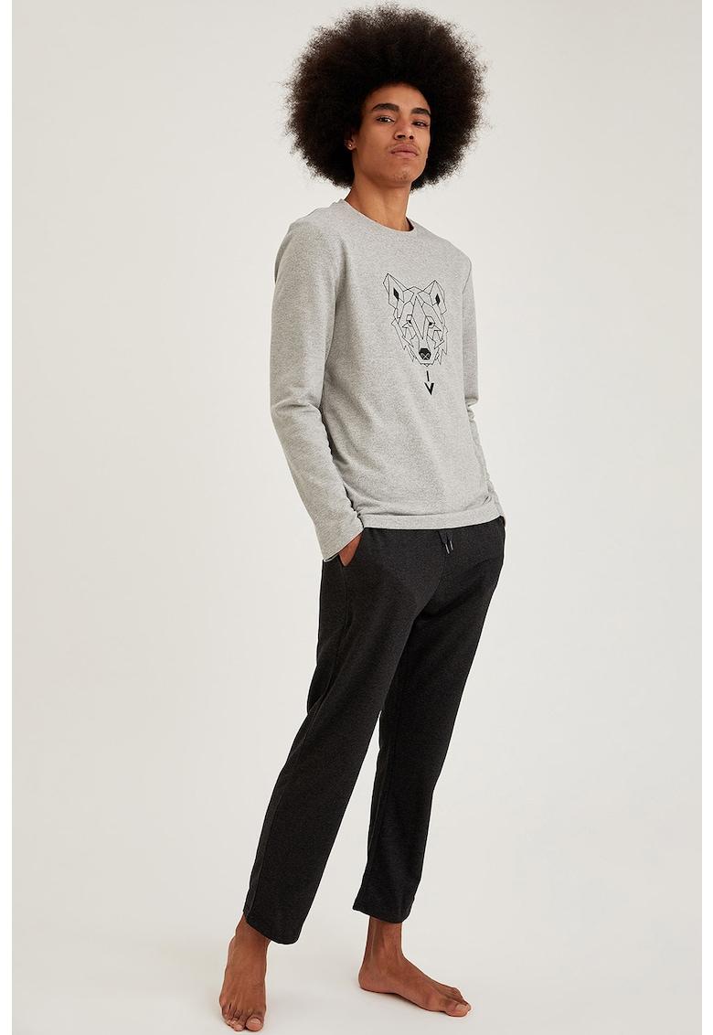 Pijama cu model grafic imagine