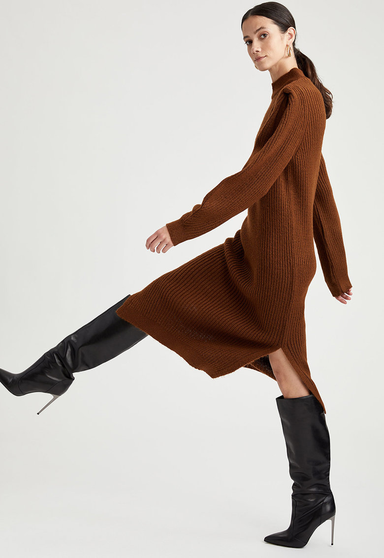 Rochie midi tricotata cu slituri laterale imagine fashiondays.ro