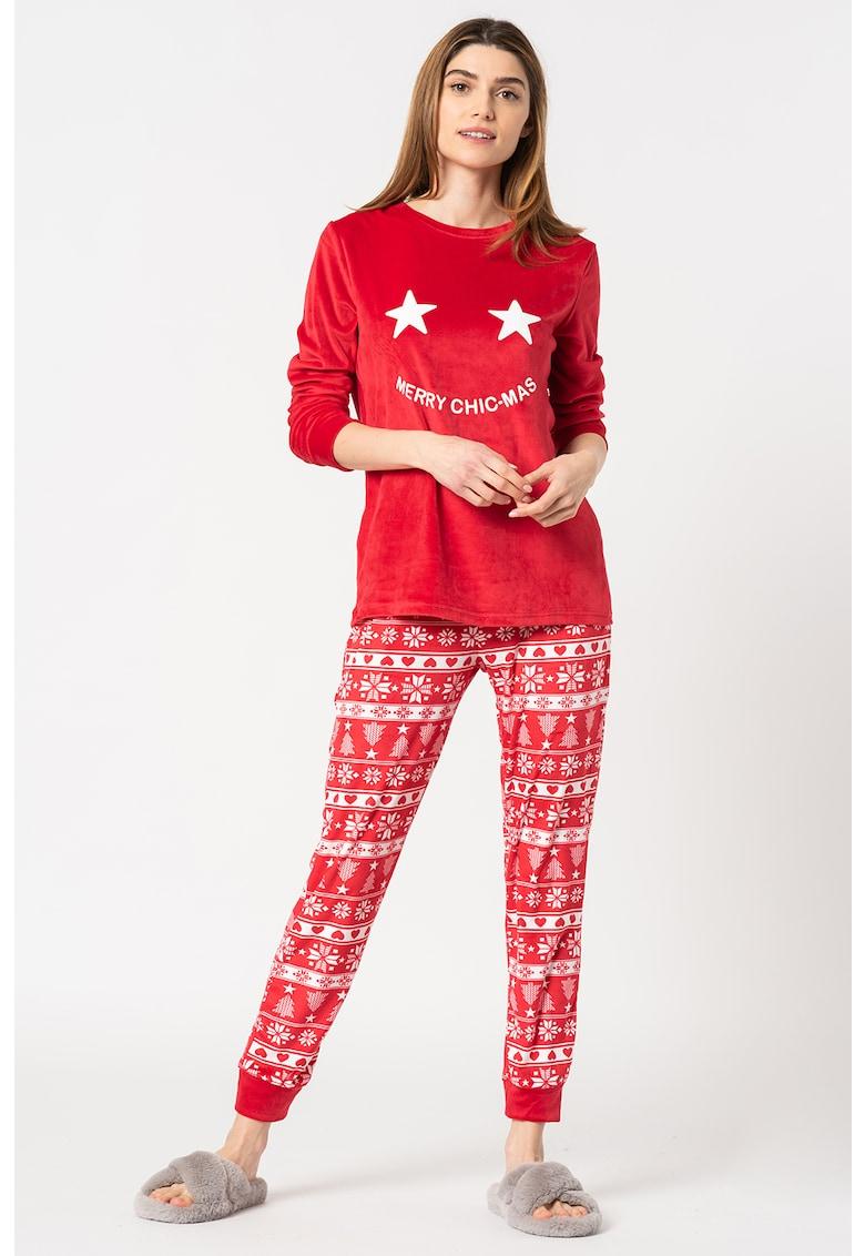 Pijama de catifea cu tematica de Craciun