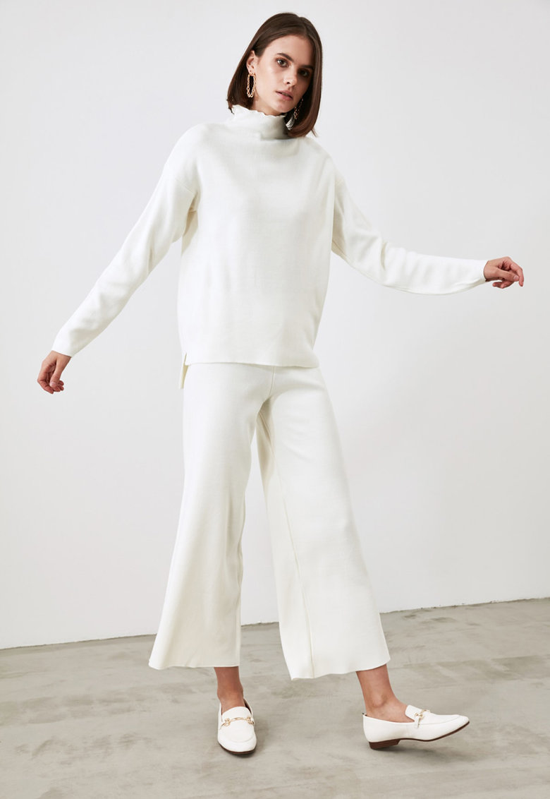 Set de pulover cu maneci cazute si pantaloni cu croiala ampla