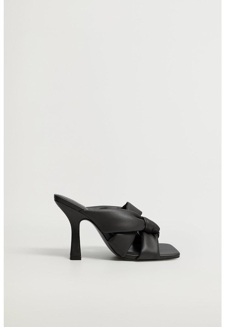 Papuci de piele ecologica cu detalii nod Bossy imagine