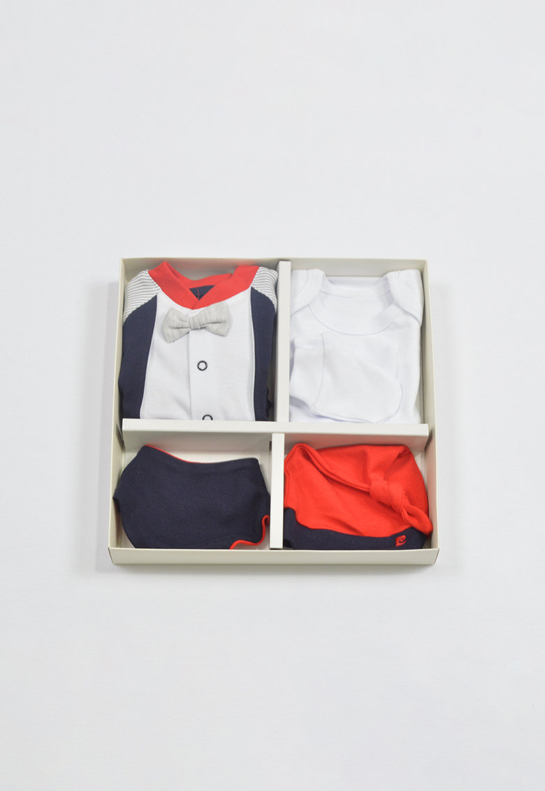 Set de imbracaminte - 5 piese imagine fashiondays.ro 2021