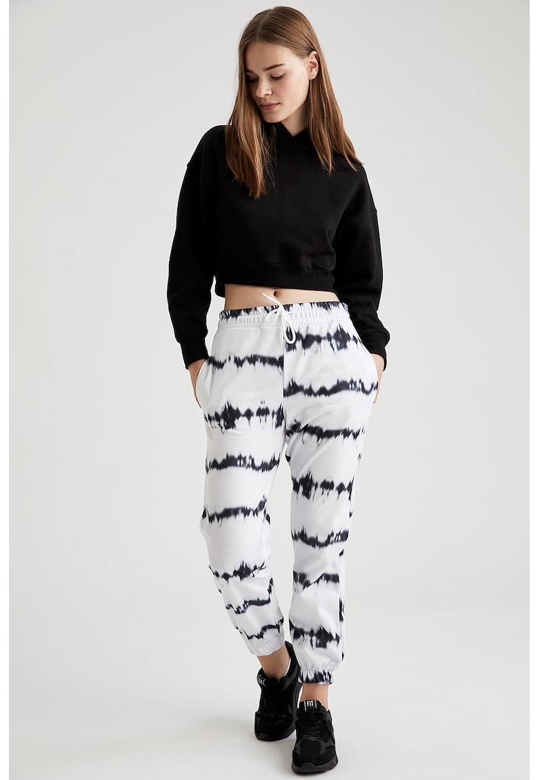 Pantaloni sport cu imprimeu si snur de ajustare imagine fashiondays.ro