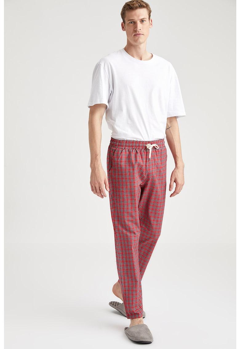 Panaloni de pijama in carouri imagine
