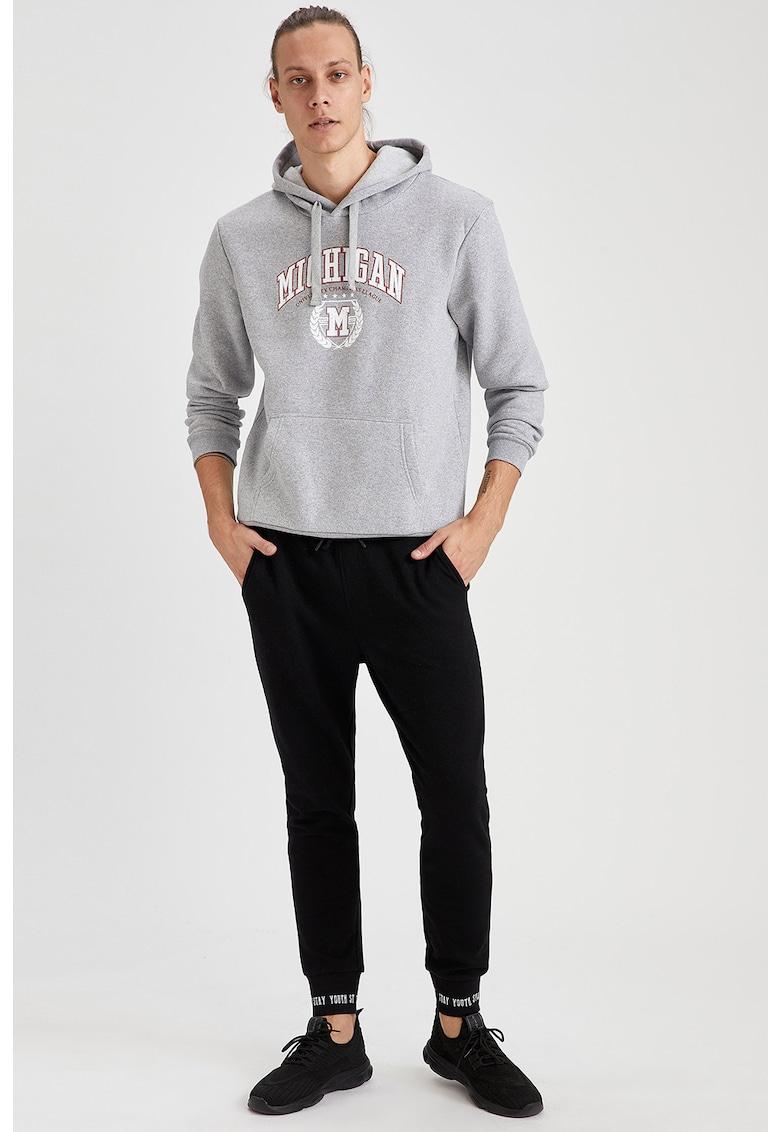 Pantaloni jogger conici cu buzunare imagine fashiondays.ro