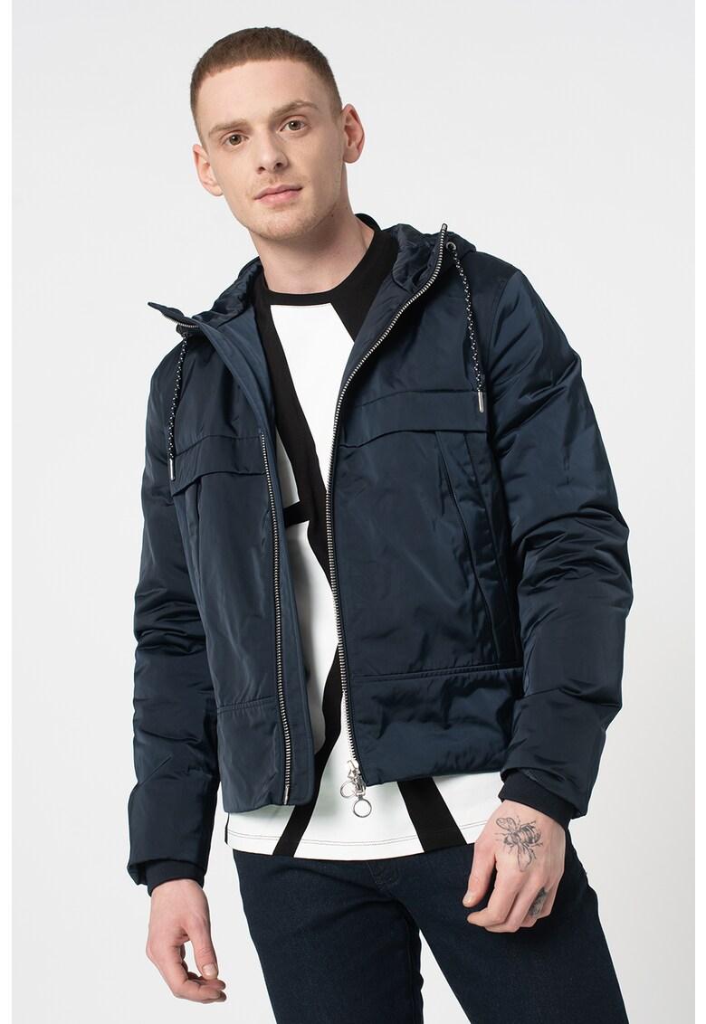 Jacheta cu gluga si snur pentru ajustare