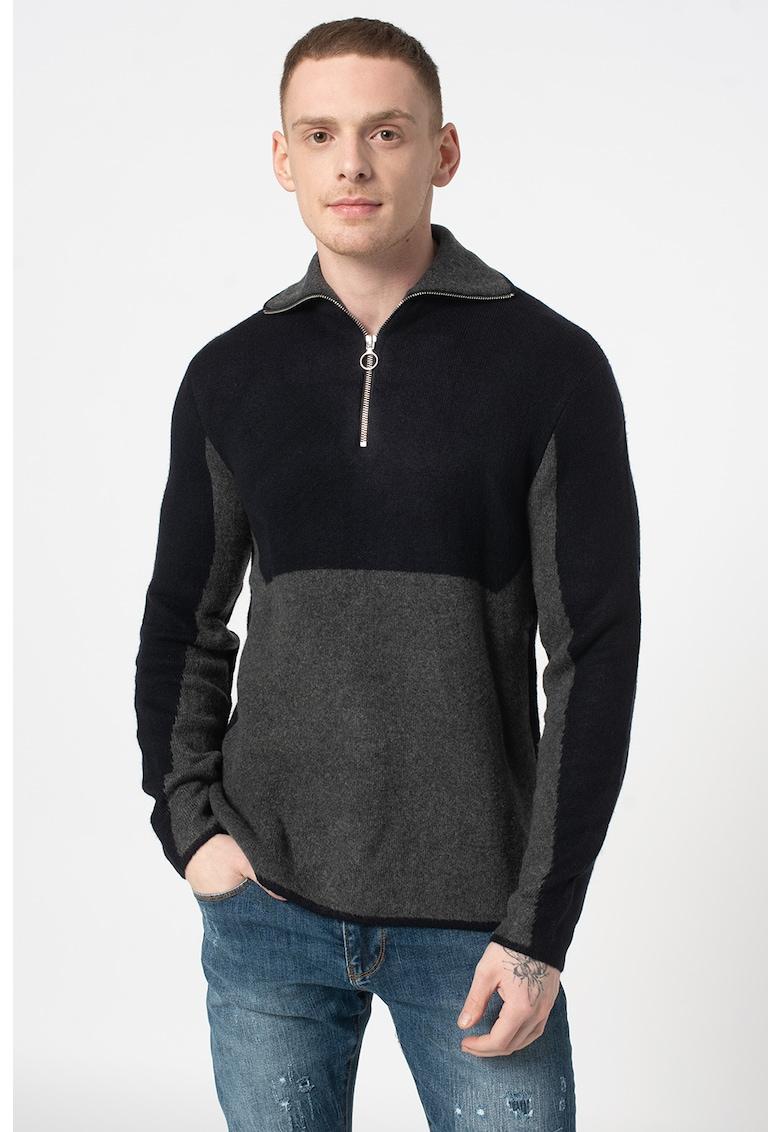 Pulover tricotat fin cu fenta cu fermoar