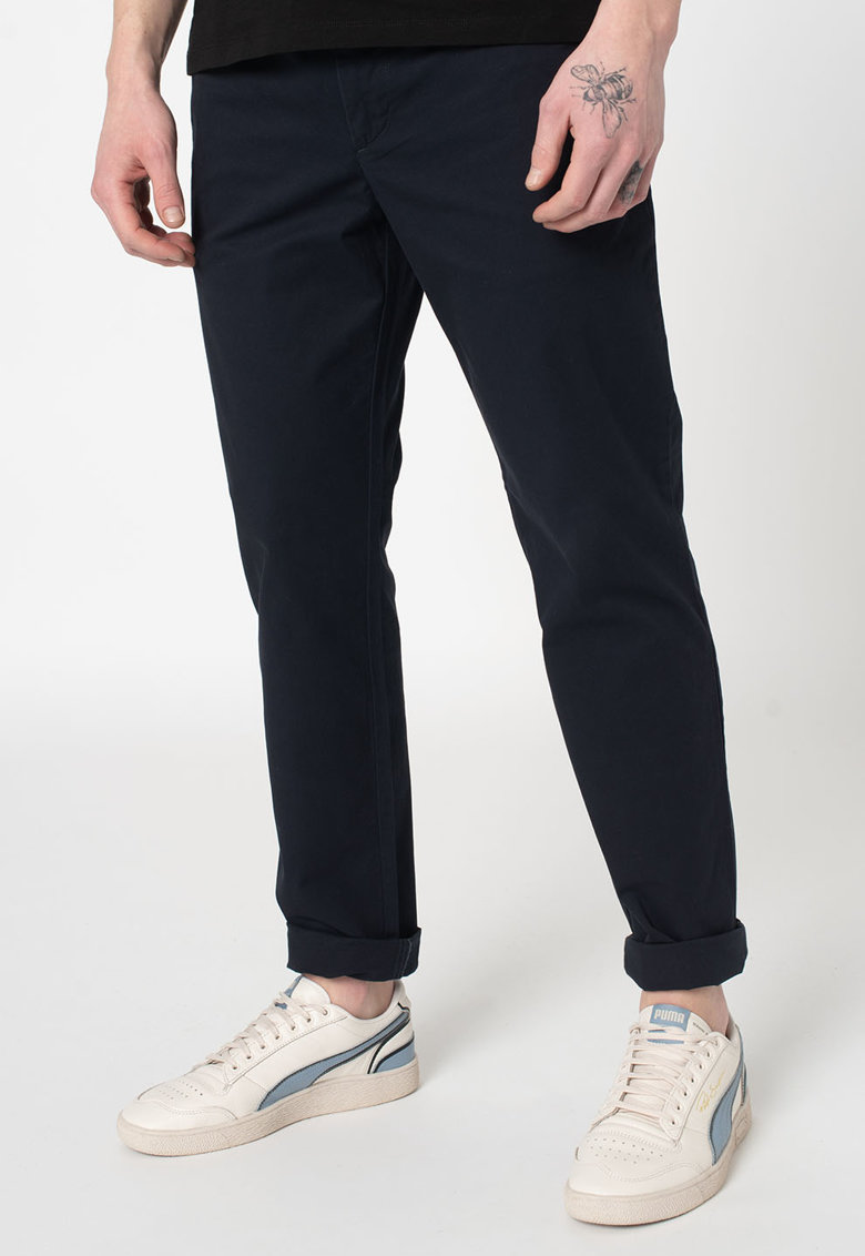 Pantaloni chino imagine promotie