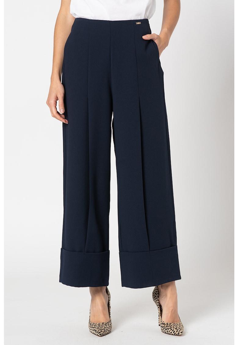 Pantaloni cu croiala ampla si talie inalta imagine promotie