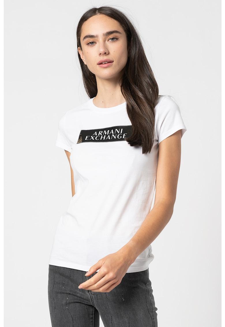 Tricou slim fit cu decolteu la baza gatului si imprimeu logo imagine promotie