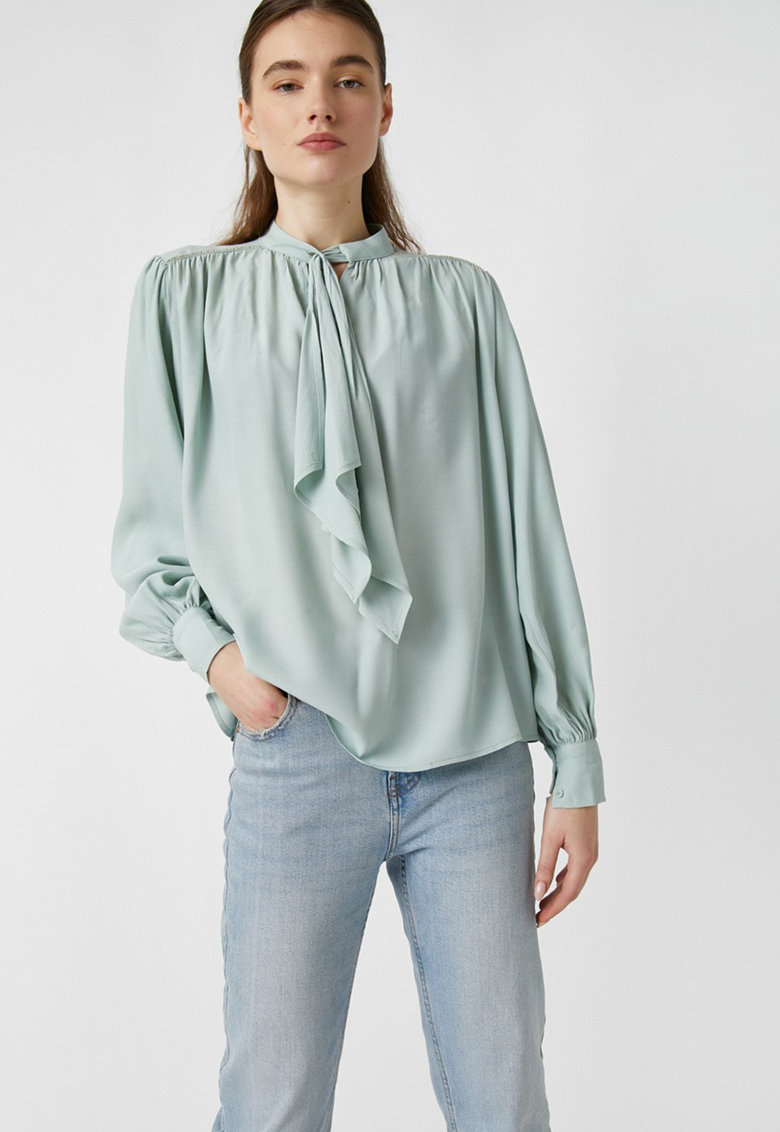 Bluza cu funda din panglici