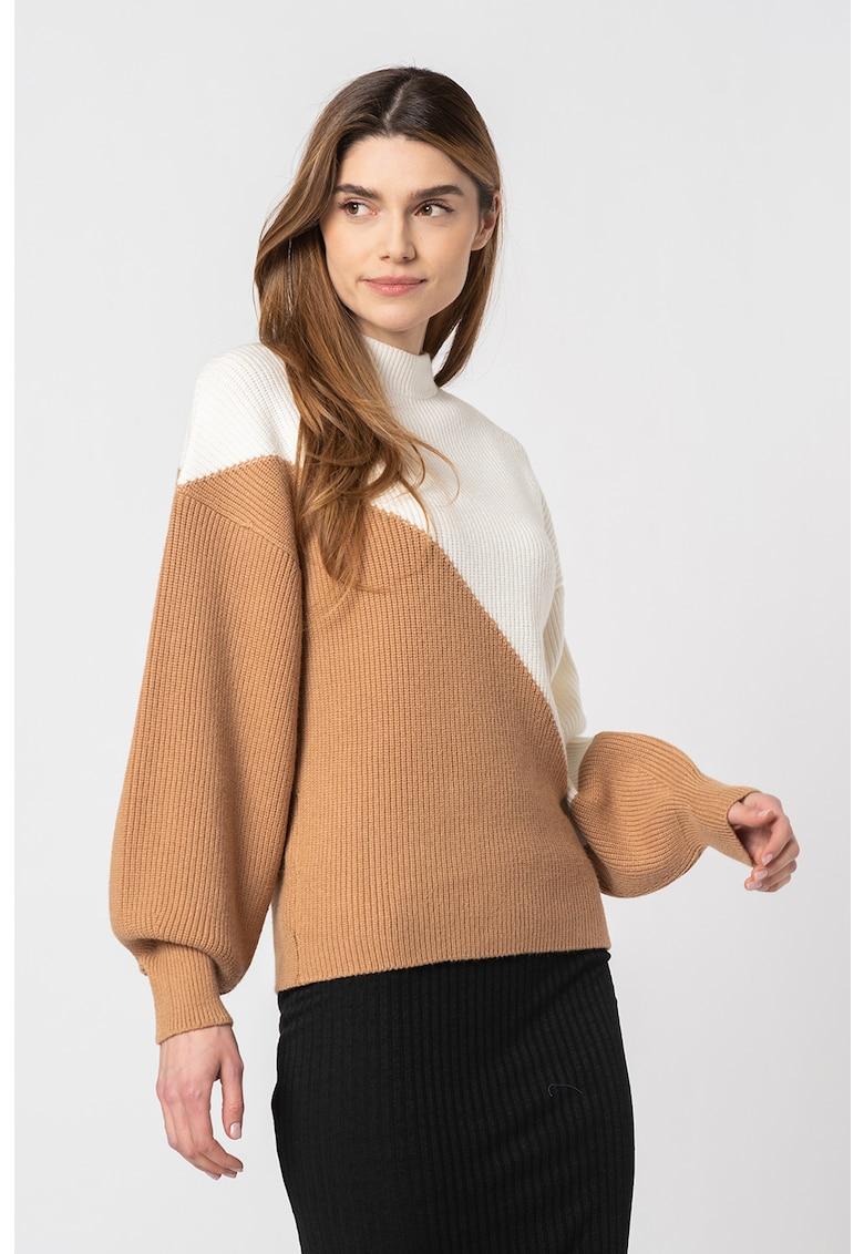 Pulover bicolor cu guler scurt