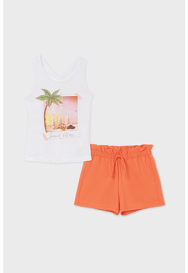 Set de pantaloni scurti si top cu imprimeu tropical imagine fashiondays.ro 2021