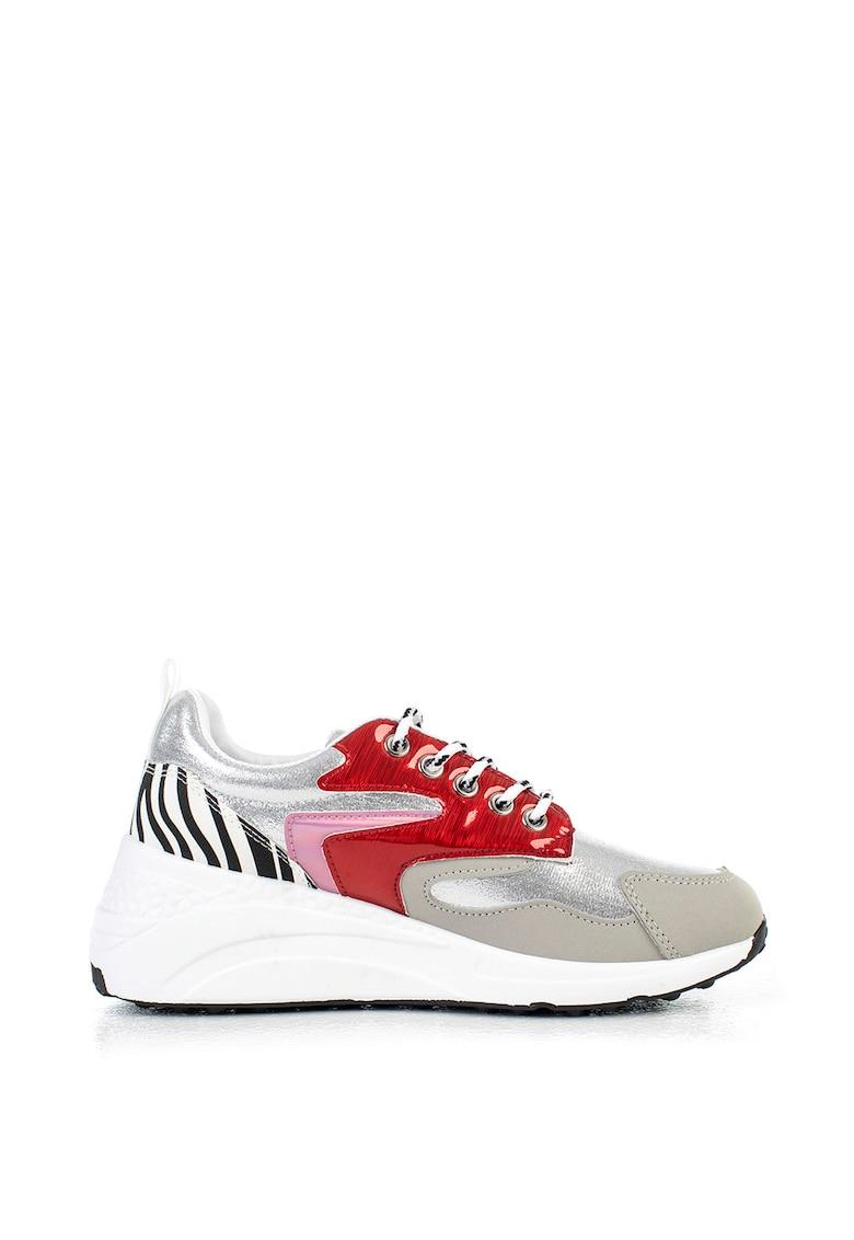 Pantofi sport cu garnituri lucioase si model colorblock