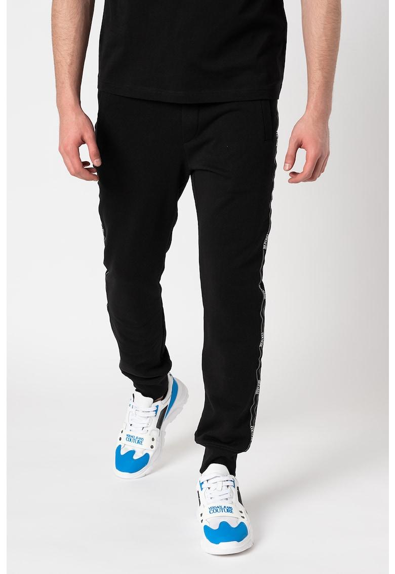 Pantaloni sport cu bezni laterale cu logo de la Versace Jeans Couture