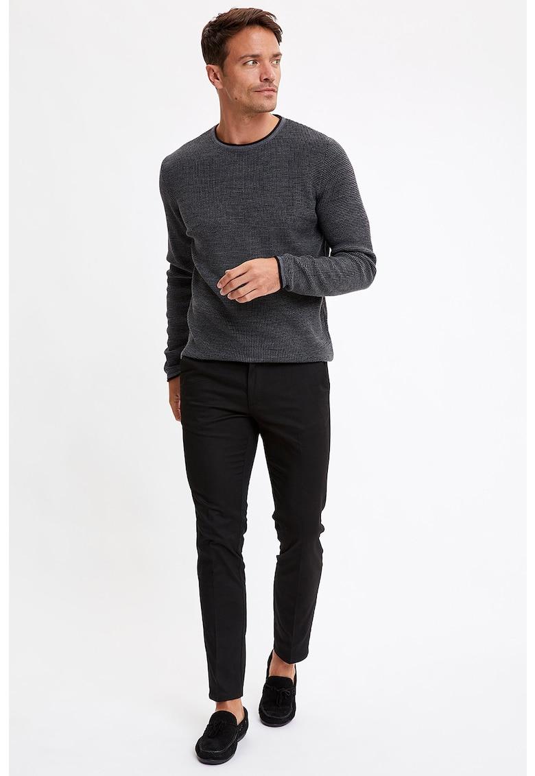 Pantaloni chino slim fit de la DeFacto