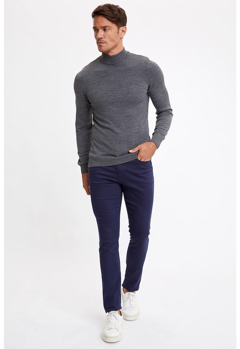 Pantaloni slim fit cu 5 buzunare imagine