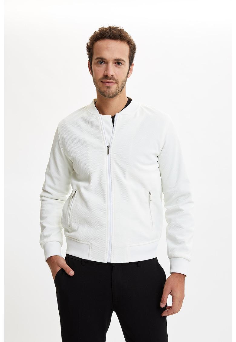 Jacheta cu fermoar si guler scurt
