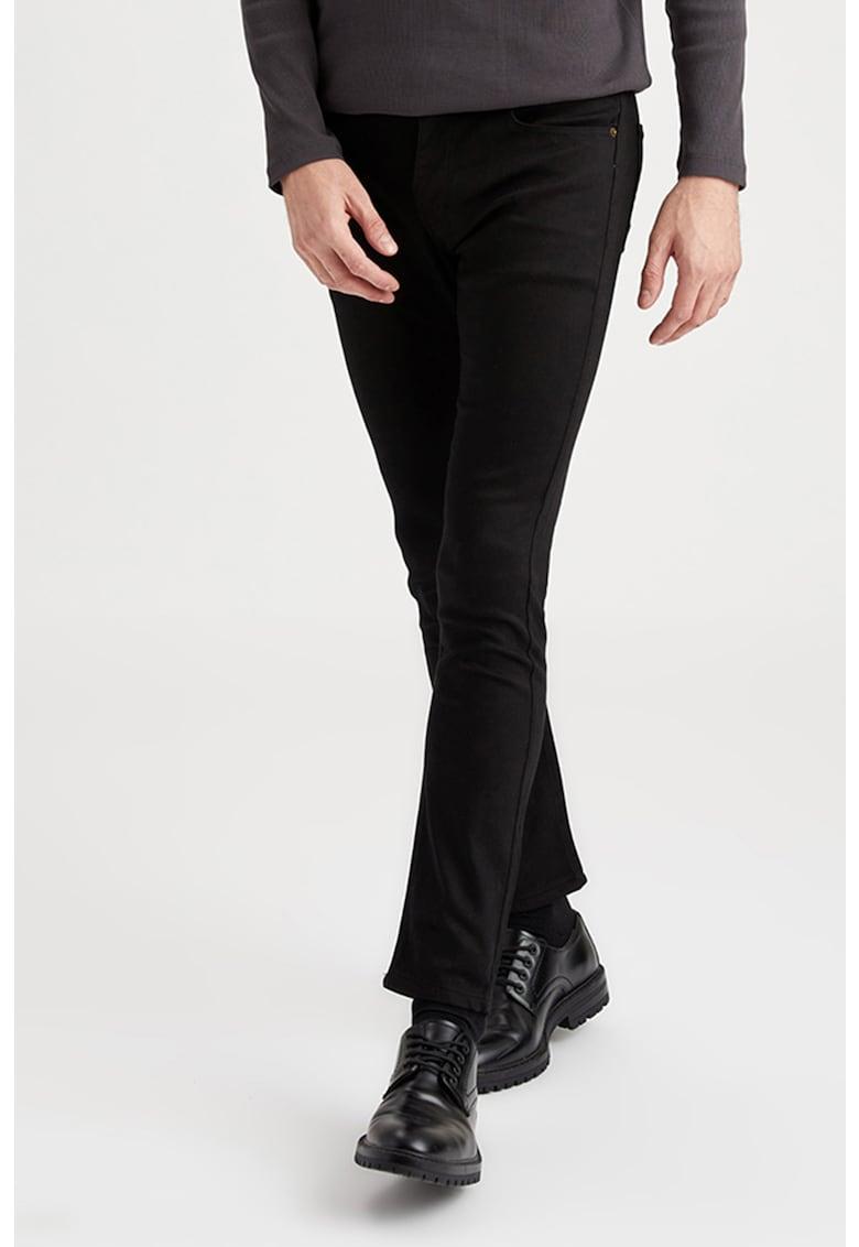 Pantaloni din amestec de bumbac imagine promotie