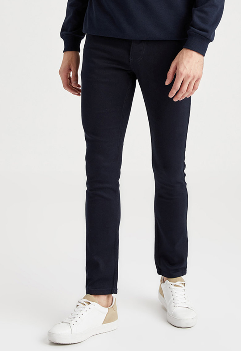 Pantaloni slim fit imagine