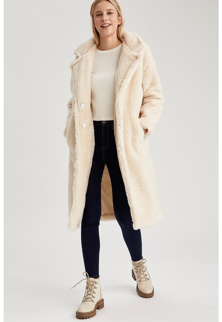 Palton de blana shearling sintetica cu capse de la DeFacto