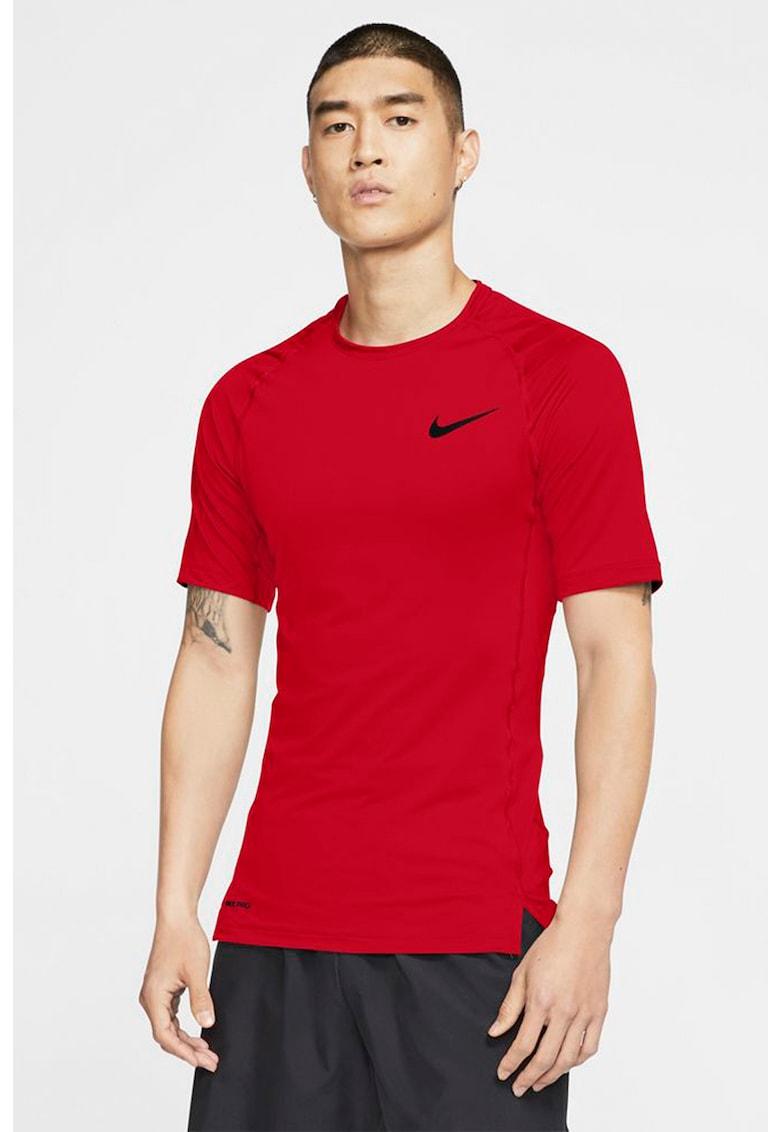Tricou tight fit pentru fitness Pro imagine fashiondays.ro Nike