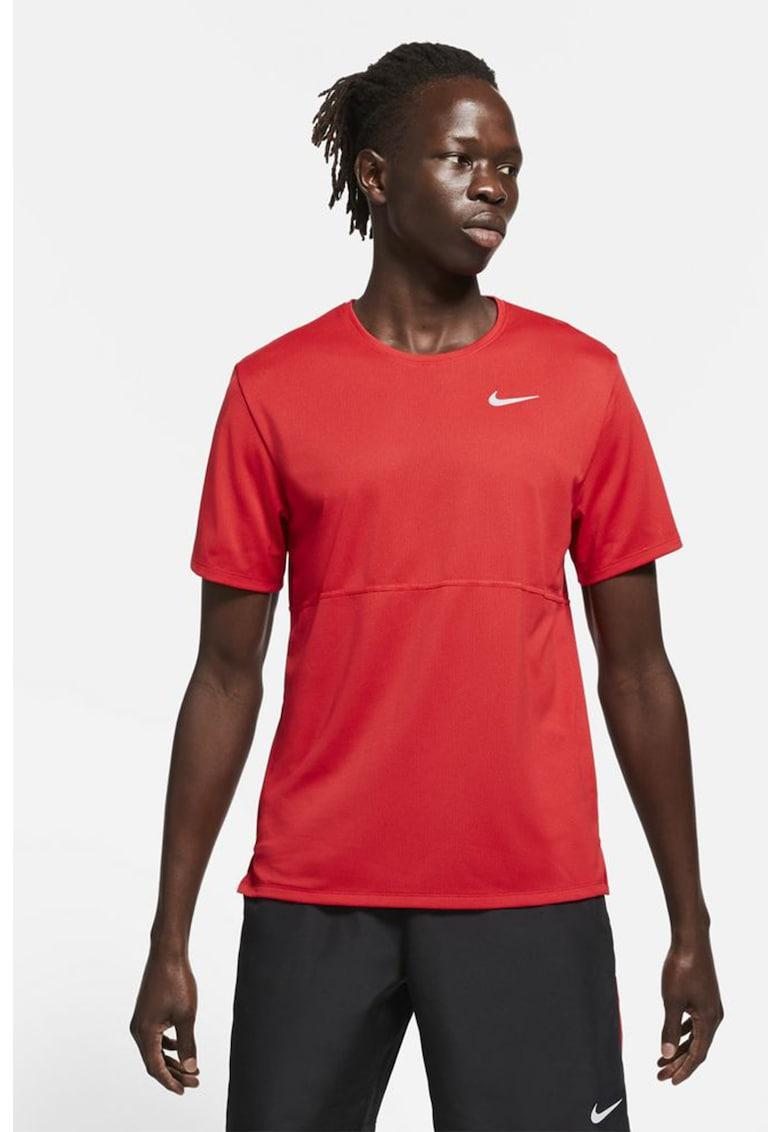 Tricou cu tehnologie Dri-Fit pentru alergare Breathe de la Nike
