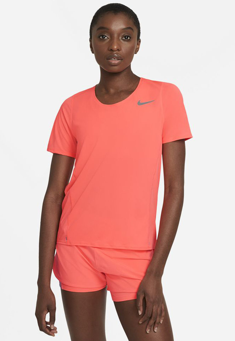 Tricou pentru alergare City Sleek imagine fashiondays.ro Nike
