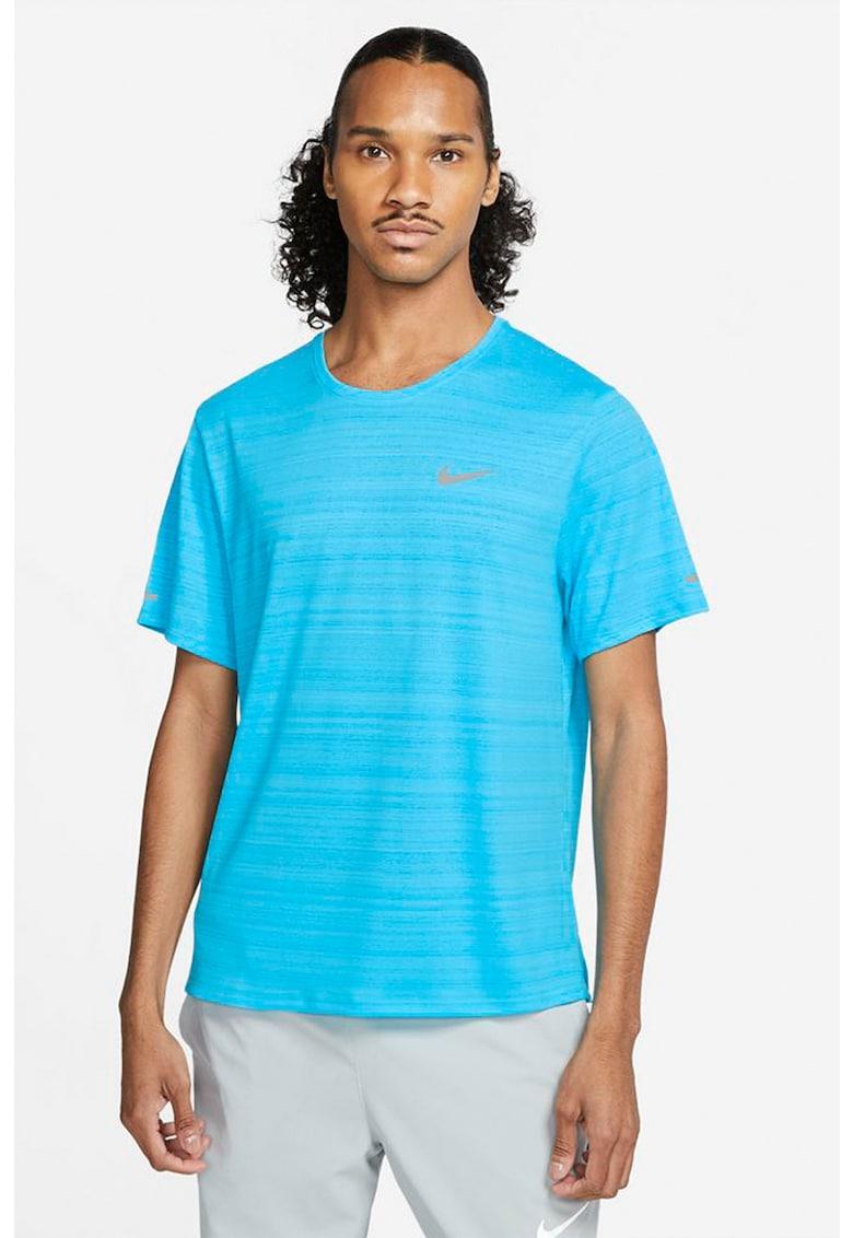 Tricou cu tehnologie Dri-Fit pentru alergare Miler imagine fashiondays.ro Nike