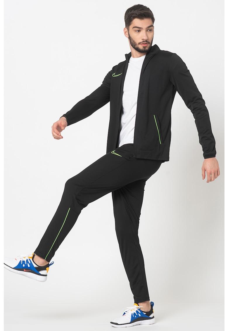 Trening cu detaliu logo - pentru fotbal imagine fashiondays.ro Nike