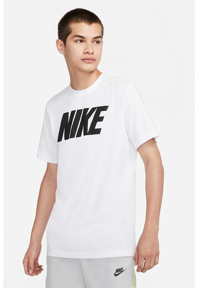 Tricou cu decolteu la baza gatului si imprimeu logo de la Nike
