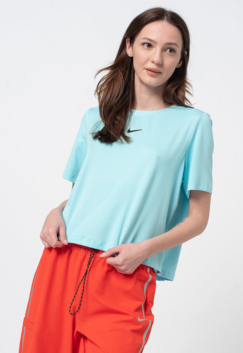 Tricou lejer Tennis Court Advantage imagine fashiondays.ro Nike