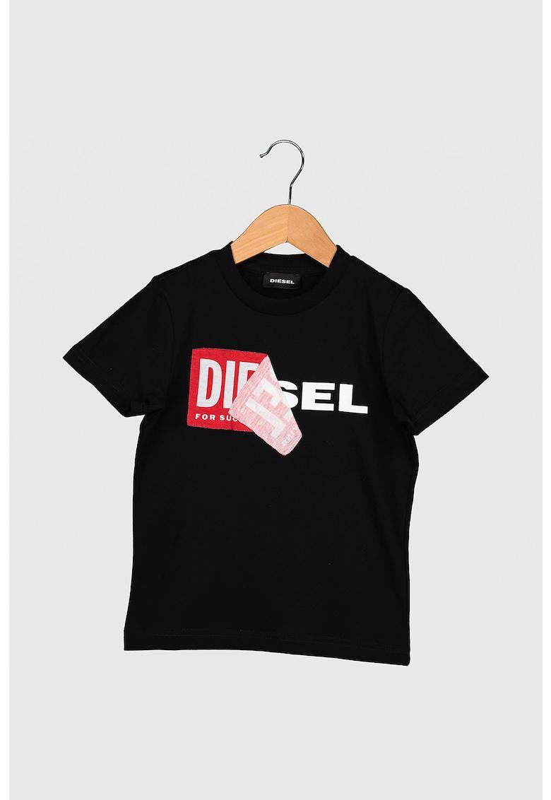 Tricou cu imprimeu logo si decolteu la baza gatului Diego imagine promotie