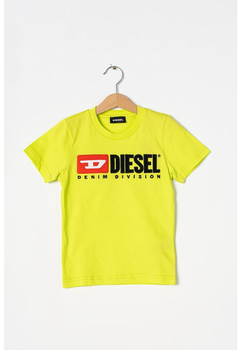 Tricou cu decolteu la baza gatului si logo Division imagine fashiondays.ro