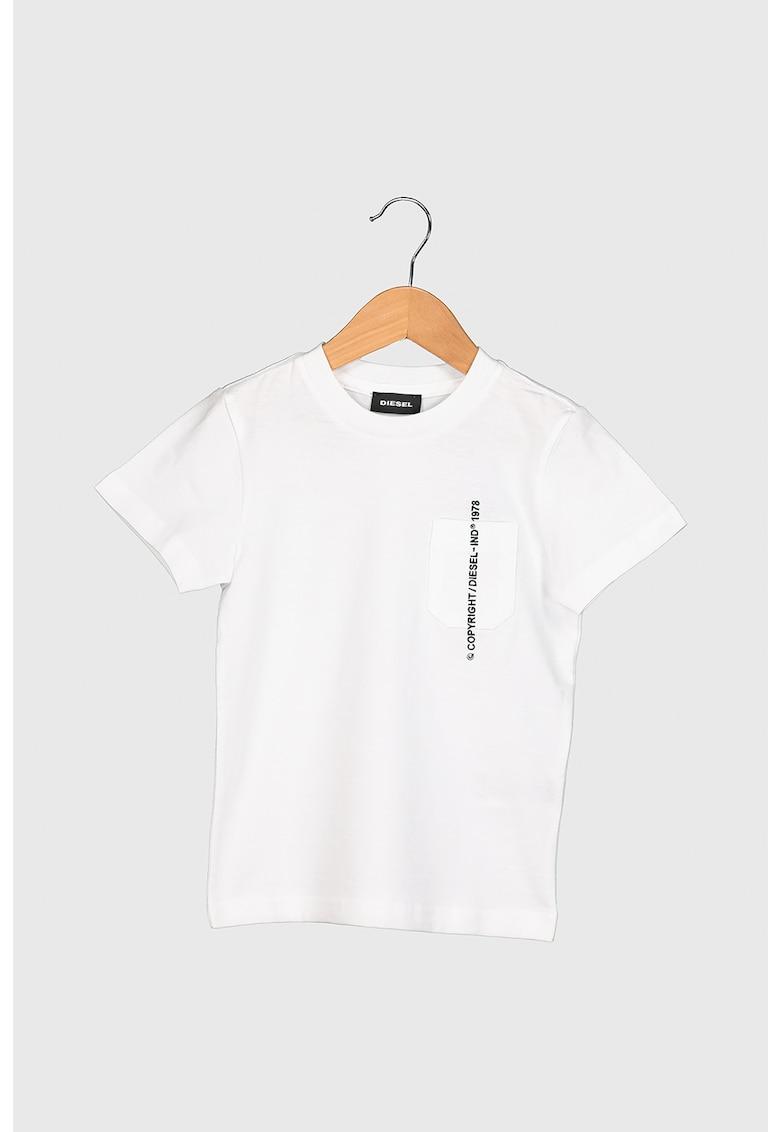 Tricou de bumbac cu buzunar aplicat imagine promotie