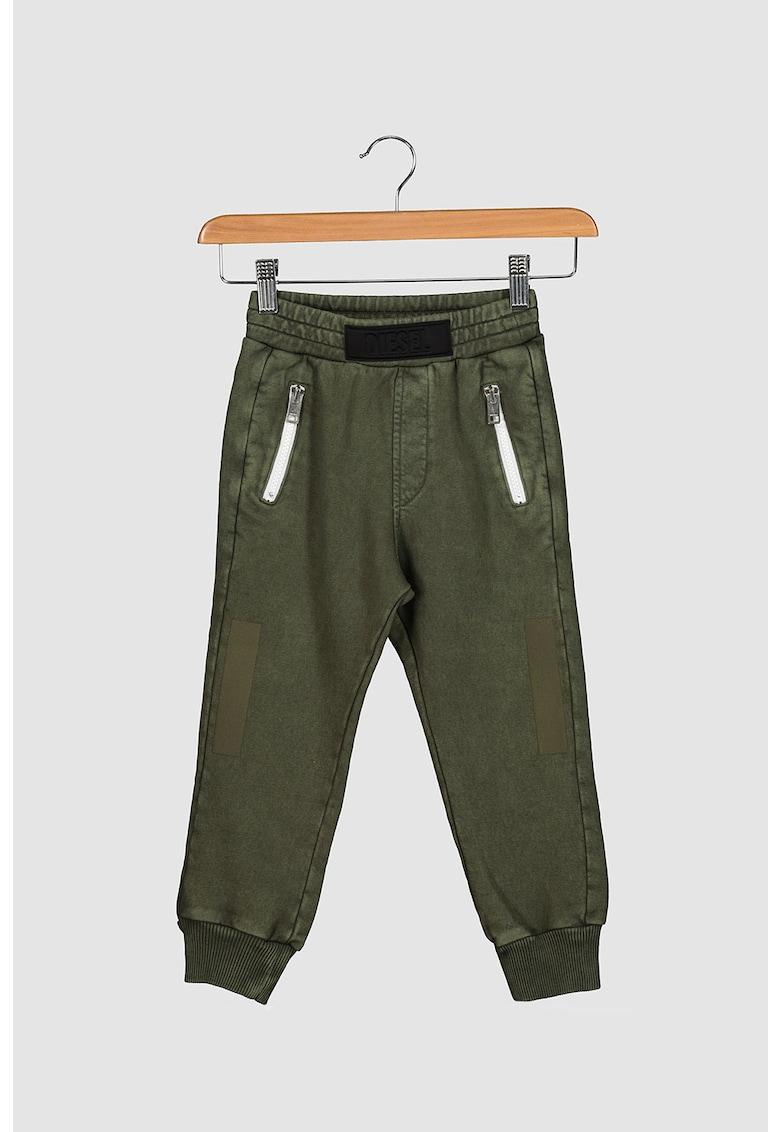 Pantaloni jogger conici cu buzunare cu fermoar imagine promotie