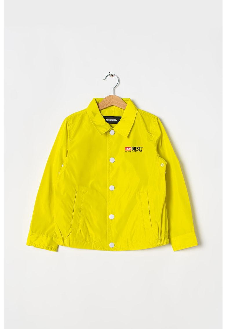 Jacheta cu imprimeu logo pe partea din spate imagine