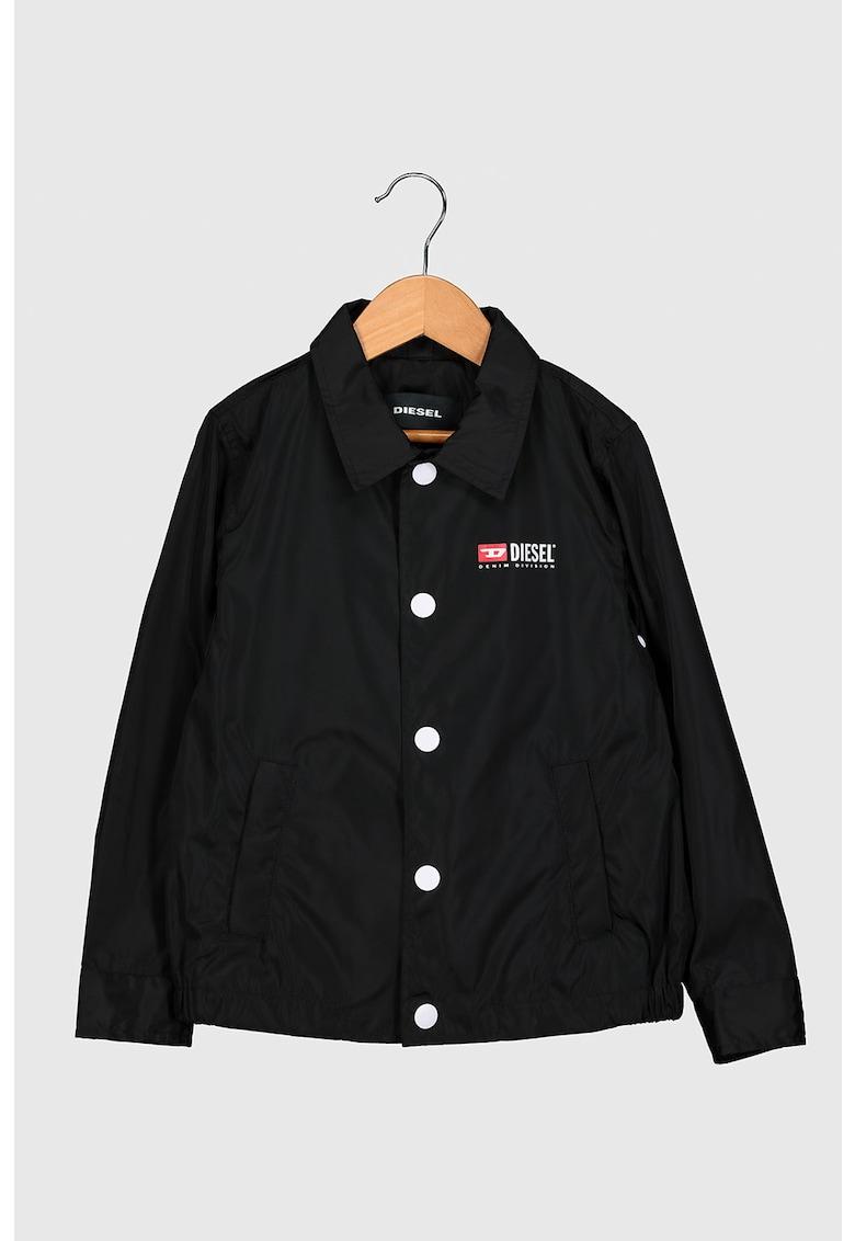 Jacheta cu imprimeu logo pe partea din spate imagine promotie
