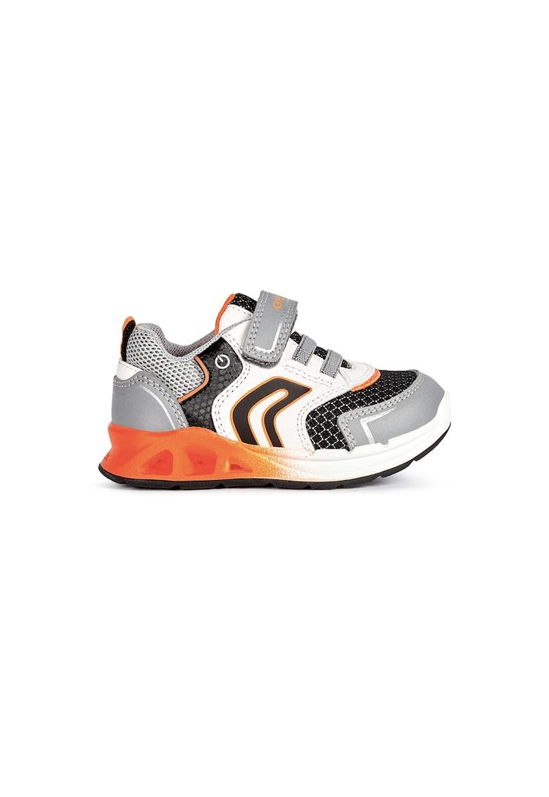 Pantofi sport cu inchidere velcro si lumini LED de la Geox