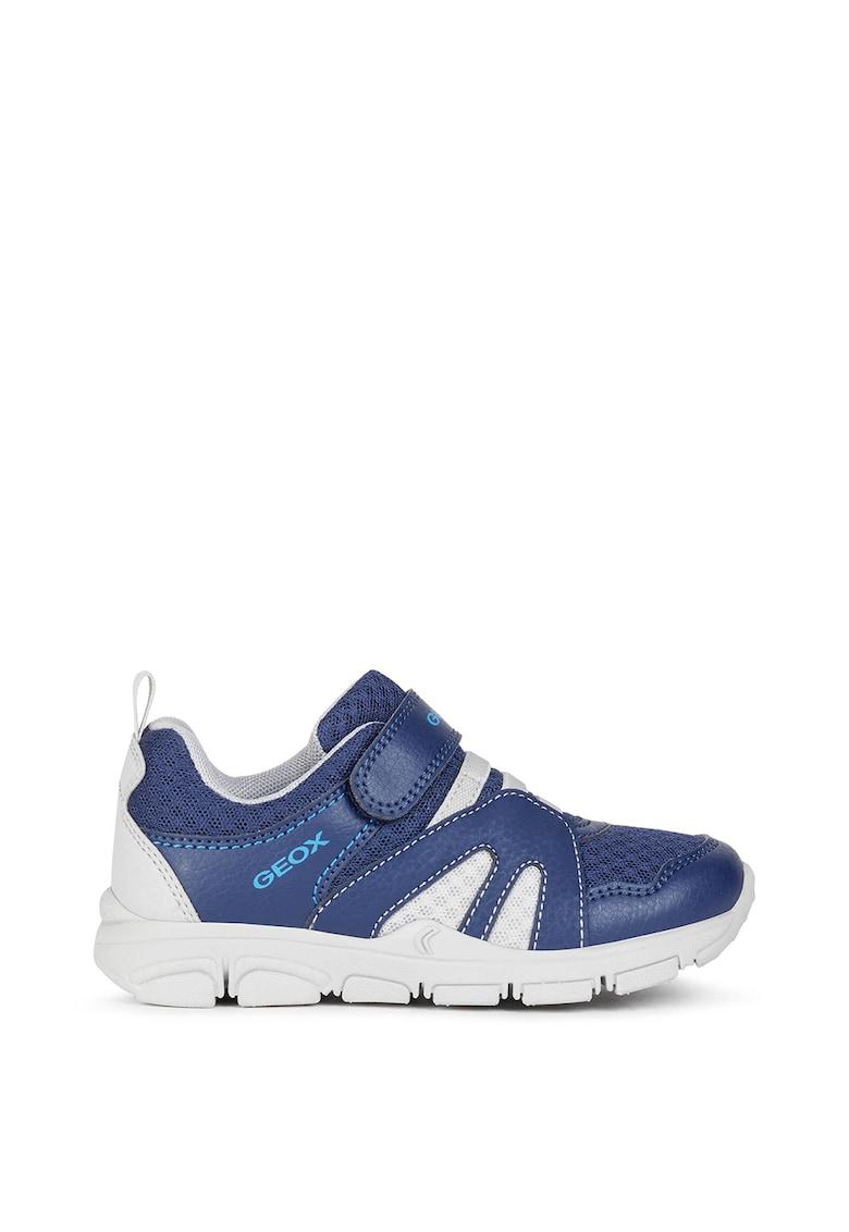 Pantofi sport de piele ecologica cu insertii textile de la Geox